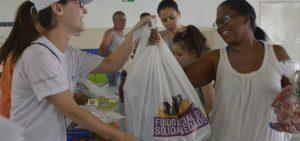 Mais de 650 famílias receberam brinquedos novos do Funss